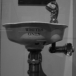 Whitesonly_drinkingfountain