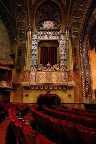 Alabama-theater-balcony