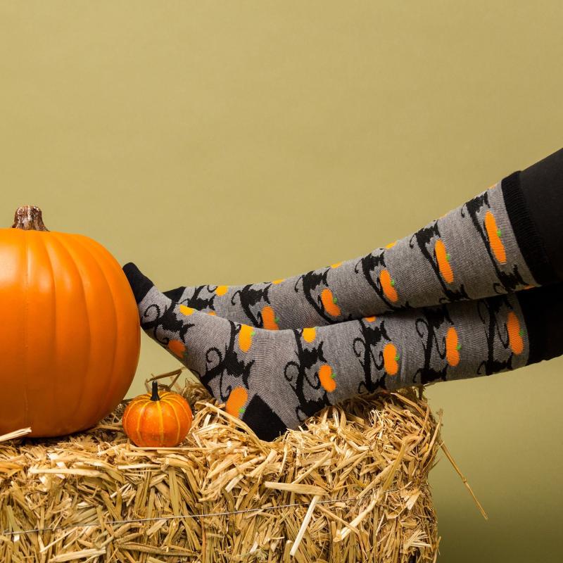 Spooky-halloween-socks-collection-2