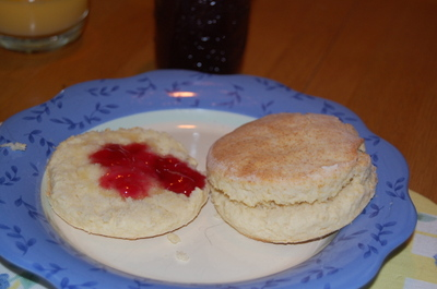 Muscadine_biscuits_2